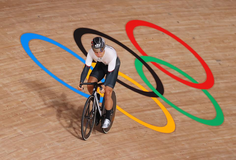 <p>Yuta Wakimoto of Team Japan sprints during the Men's sprint round of 8 finals - heat 4 of the track cycling on day thirteen of the Tokyo 2020 Olympic Games at Izu Velodrome on August 05, 2021 in Izu, Japan. (Photo by Justin Setterfield/Getty Images)</p>