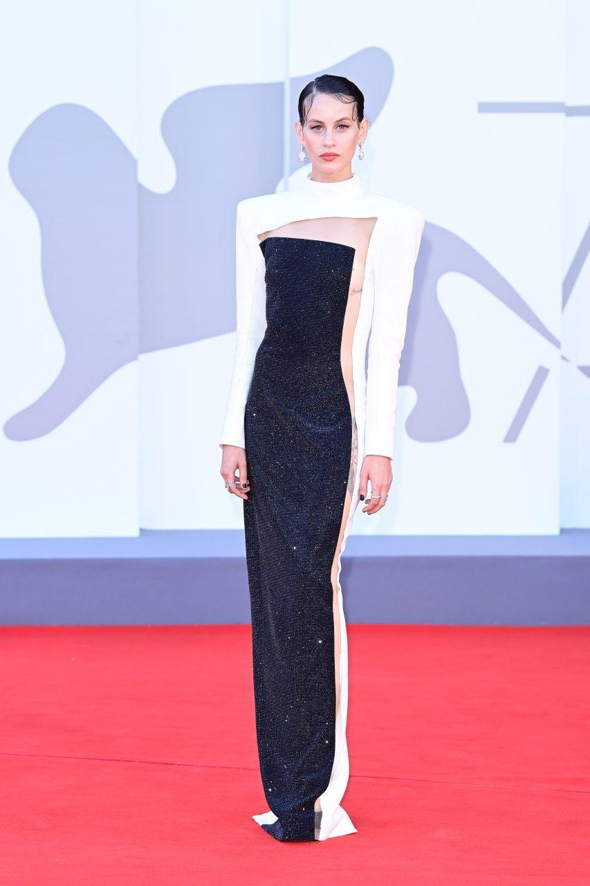 VENICE, ITALY - SEPTEMBER 01: Milena Smit attends the red carpet of the movie 'Madres Paralelas' during the 78th Venice International Film Festival on September 01, 2021 in Venice, Italy. (Photo by Daniele Venturelli/WireImage)