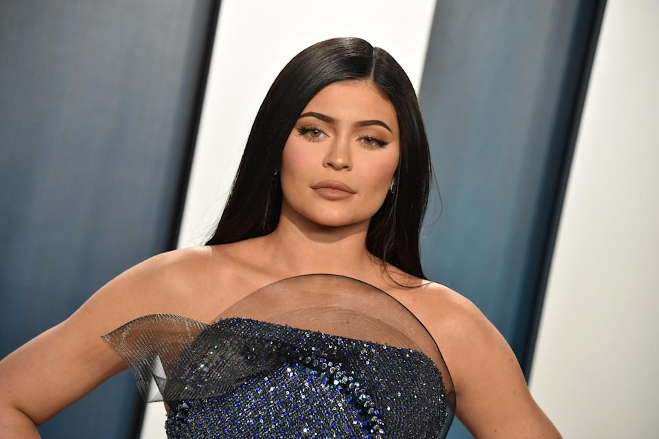 BEVERLY HILLS, CALIFORNIA - FEBRUARY 09: Kylie Jenner attends the 2020 Vanity Fair Oscar Party hosted by Radhika Jones at Wallis Annenberg Center for the Performing Arts on February 09, 2020 in Beverly Hills, California. (Photo by Gregg DeGuire/FilmMagic)