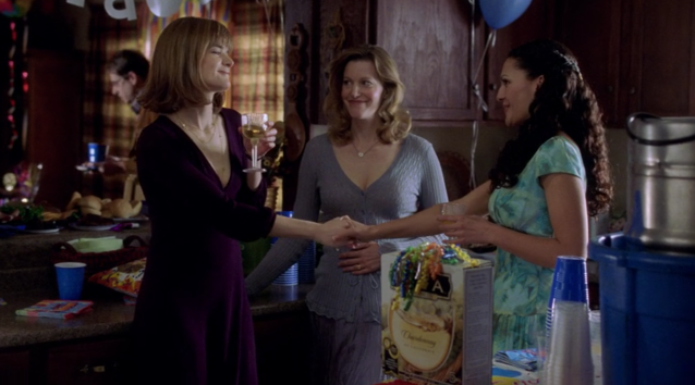 Meet Marie Schrader (Betsy Brandt, left), sister of Skyler White (Anna Gunn, center) (Screengrab: Netflix)