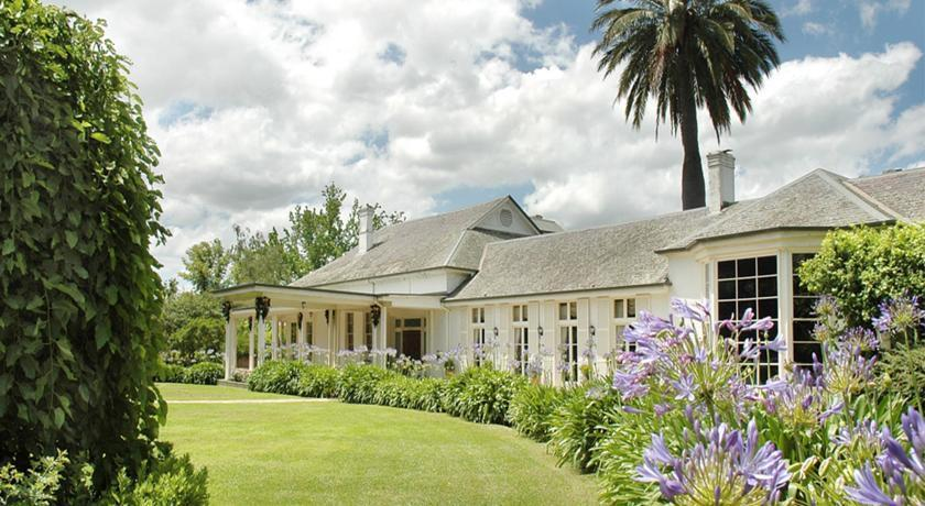 Situated amongst the Yarra Valley, this heritage-listed mansion is the epitome of timeless elegance. The charming country homestead was initially constructed in 1854, and reborn in 1997 as a gracious five-star property, offering Victorian-style suites with stunning views of the historic gardens. In close proximity to a range of iconic Victoria destinations including the Yarra Valley wine fields, Dandenong Ranges, Healsville Sanctuary and Puffing Billy, this spectacular area is an ideal holiday destination to suit all tastes.