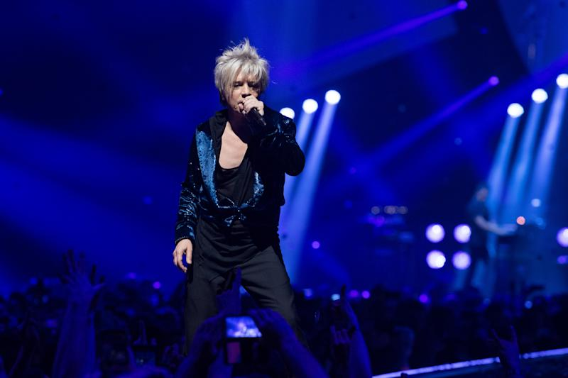 PARIS, FRANCE - FEBRUARY 16: Nicola Sirkis from Indochine performs at Hotel Accor Arena Bercy on February 16, 2018 in Paris, France. (Photo by David Wolff - Patrick/Redferns)