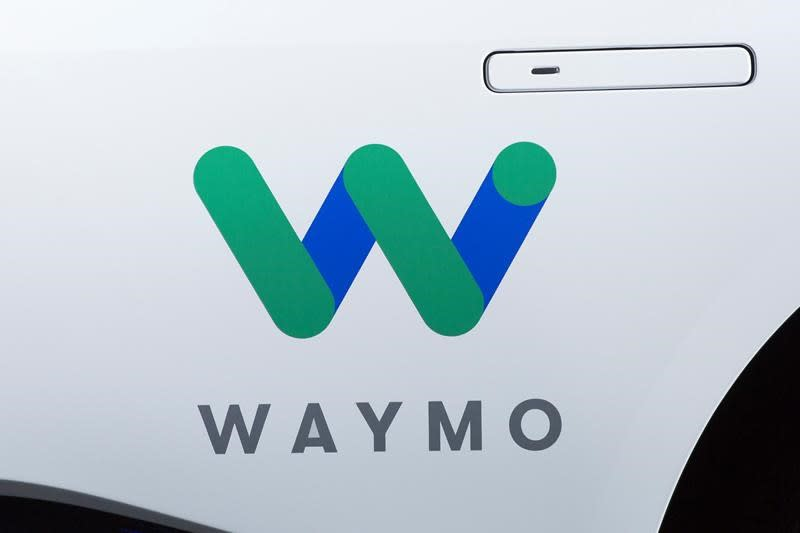 waymo launching pilot program with walmart. Black Bedroom Furniture Sets. Home Design Ideas