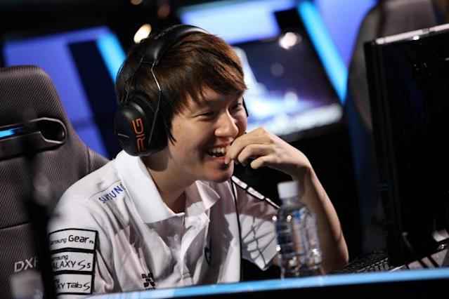 """Choi """"DanDy"""" In-kyu while on Samsung Galaxy White at the 2014 World Championship (Riot Games/lolesports)"""
