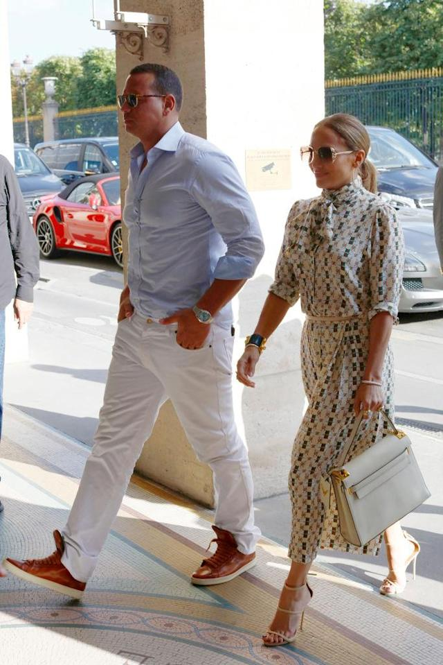 <p>A-Rod was perfectly coordinated with J.Lo's patterned dress. (Photo: Getty Images) </p>
