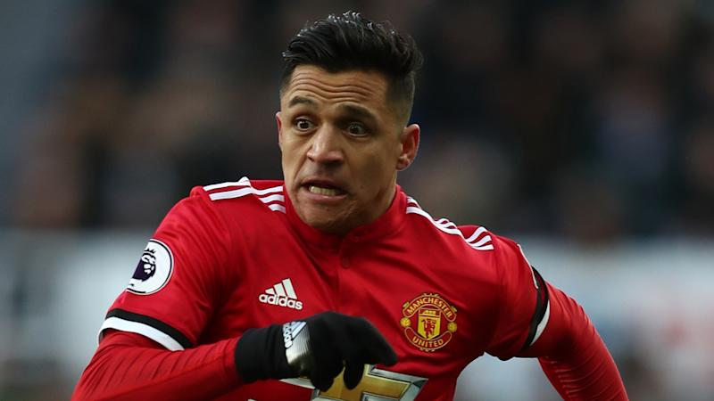 'Alexis Sanchez ran 8km home... because he left his keys in his car!'