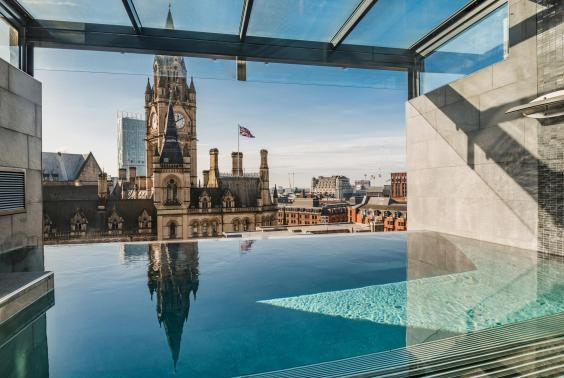 King Street Townhouse boasts an infinity pool on the seventh floor, plus steam and relaxation rooms (King Street Townhouse)