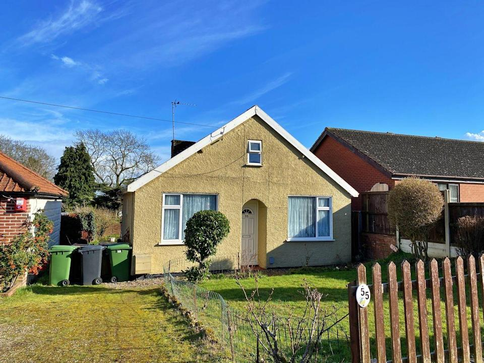 """<p>With lovely gardens and spacious living quarters, this four-bedroom bungalow in Norwich is great for aspiring design gurus. The first floor features two bedrooms with eaves storage, while the kitchen has a useful utility at the rear. </p><p><a href=""""https://www.zoopla.co.uk/for-sale/details/57953407/"""" rel=""""nofollow noopener"""" target=""""_blank"""" data-ylk=""""slk:This property is currently on the market for £290,000 with Attik Estate Agents via Zoopla."""" class=""""link rapid-noclick-resp"""">This property is currently on the market for £290,000 with Attik Estate Agents via Zoopla.</a></p>"""