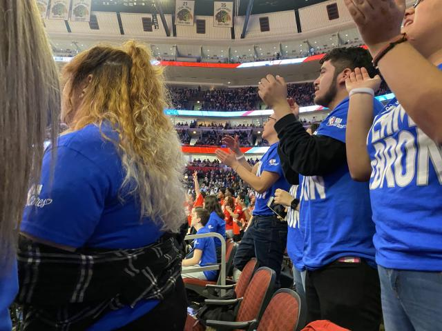 Chicago Scholars students cheer at the 2020 NBA All-Star Game. (Henry Bushnell/Yahoo Sports)
