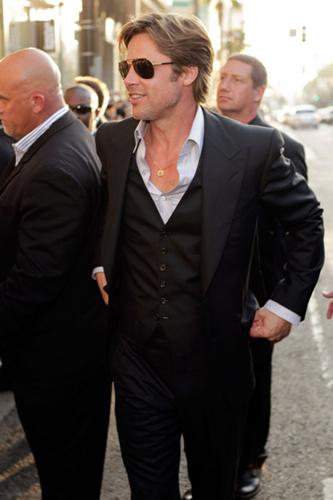 <p>Brad is back to drool worthy status! We are glad he got rid of that rank goatee!</p>
