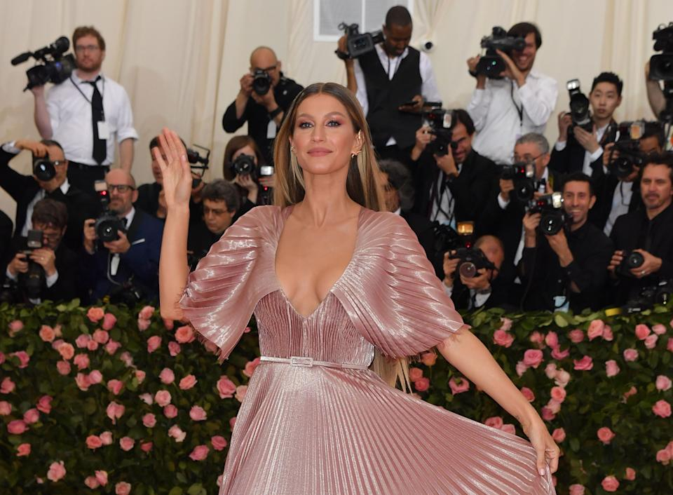 Gisele Bündchen (pictured at the 2019 Met Gala) treated fans to a make-up free selfie. (Photo: ANGELA WEISS/AFP via Getty Images)