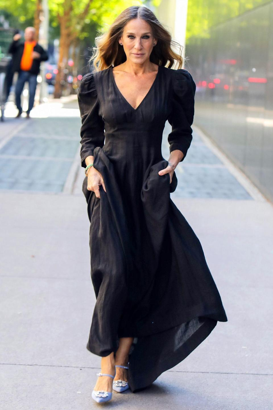 <p>Sarah Jessica Parker looks runway ready in N.Y.C. on Thursday. </p>