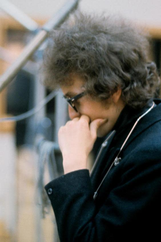 A contemplative Dylan in 1965 (Shutterstock)