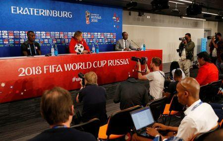 Soccer Football - World Cup - Peru Press Conference - Ekaterinburg Arena, Yekaterinburg, Russia - June 20, 2018 Peru coach Ricardo Gareca and Christian Ramos during the press conference REUTERS/Andrew Couldridge