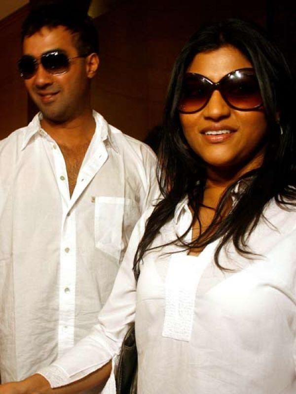 <p><strong>Images via : <a href='http://idiva.com'>iDiva.com</a></strong></p><p><strong>Konkona Sen Sharma and Ranvir Shorey:</strong> Konkona Sen Sharma started having problems just two years into her marriage with actor Ranvir Shorey. The two however are leading separate lives but live in the same apartment with their son Haroon.</p><p><strong>Related Articles - </strong></p><p><a href='http://idiva.com/photogallery-entertainment/most-complicated-celebrity-marriages/14159' target='_blank'>Most Complicated Celebrity Marriages</a></p><p><a href='http://idiva.com/photogallery-relationships/celebrity-exes-we-feel-sorry-for/12520' target='_blank'>Celebrity Exes We Feel Sorry For</a></p>