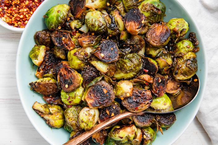 """<p>Whether you go for a <a href=""""https://www.delish.com/holiday-recipes/christmas/g644/ham-recipes/"""" rel=""""nofollow noopener"""" target=""""_blank"""" data-ylk=""""slk:ham"""" class=""""link rapid-noclick-resp"""">ham</a>, <a href=""""https://www.delish.com/cooking/recipe-ideas/a23584914/perfect-roast-beef-recipe/"""" rel=""""nofollow noopener"""" target=""""_blank"""" data-ylk=""""slk:roast beef"""" class=""""link rapid-noclick-resp"""">roast beef </a>or <a href=""""http://www.delish.com/holiday-recipes/easter/g3946/lamb-chops-recipes/"""" rel=""""nofollow noopener"""" target=""""_blank"""" data-ylk=""""slk:lamb"""" class=""""link rapid-noclick-resp"""">lamb</a> for your entrée, try one of these stellar seasonal sides along with it. From potatoes to Brussels to casseroles, they'll round out your meal, and please even the pickiest of eaters. And, of course you have to have a <a href=""""https://www.delish.com/holiday-recipes/christmas/g47/best-christmas-desserts/"""" rel=""""nofollow noopener"""" target=""""_blank"""" data-ylk=""""slk:deliciously decadent dessert"""" class=""""link rapid-noclick-resp"""">deliciously decadent dessert</a> to end your meal.</p>"""