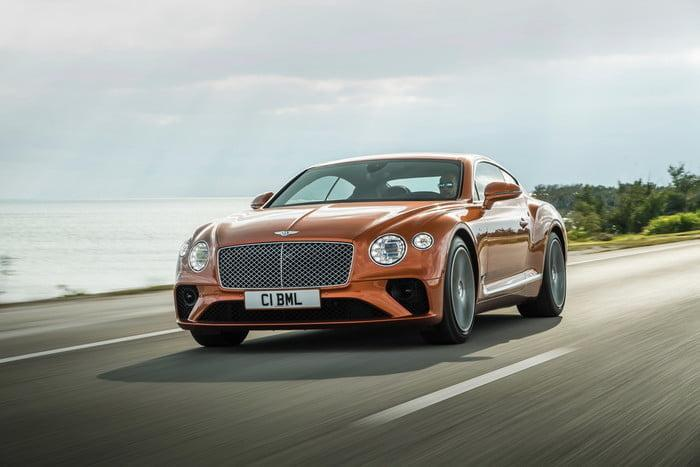 bentley continental gt v8 2 700x467 c