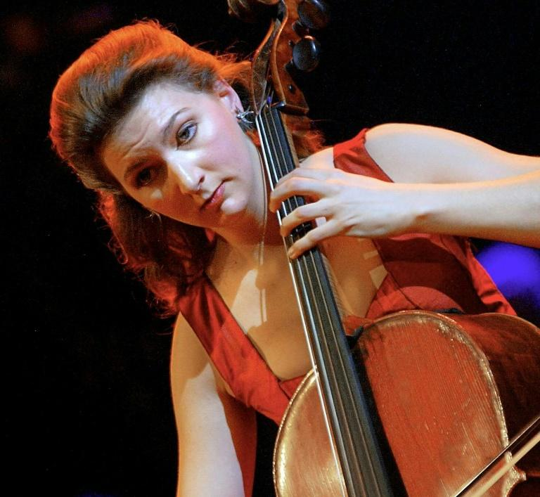 An 18th-century cello worth more than a million euros has been returned to cellist Ophelie Gaillard  after she was robbed