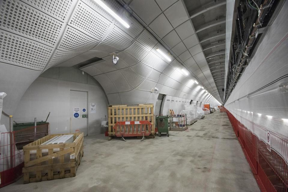 <p>A platform is almost completed at Farringdon </p>