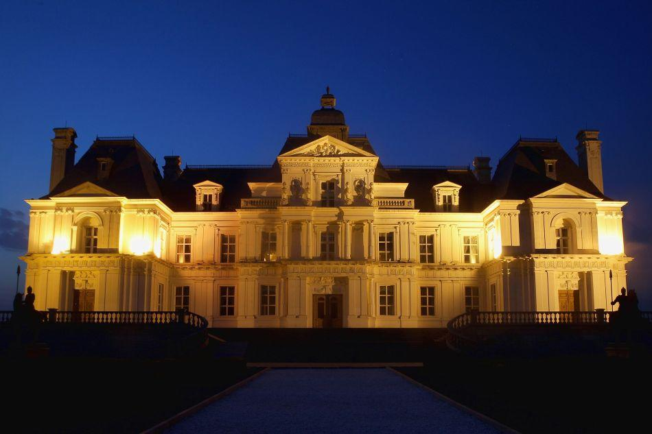 A multimillion-dollar replica of France's historic Chateau Maison-Laffitte, the Beijing Laffitte Chateau located at the outskirts of Beijing is a luxury hotel, spa and wine museum in one.