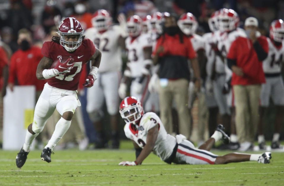 Alabama receiver Jaylen Waddle (17) catches a pass after Georgia defender Tyson Campbell (3) fell during the second half of Alabama's 41-24 win over Georgia on Saturday. (Gary Cosby Jr/The Tuscaloosa News via USA TODAY Sports)