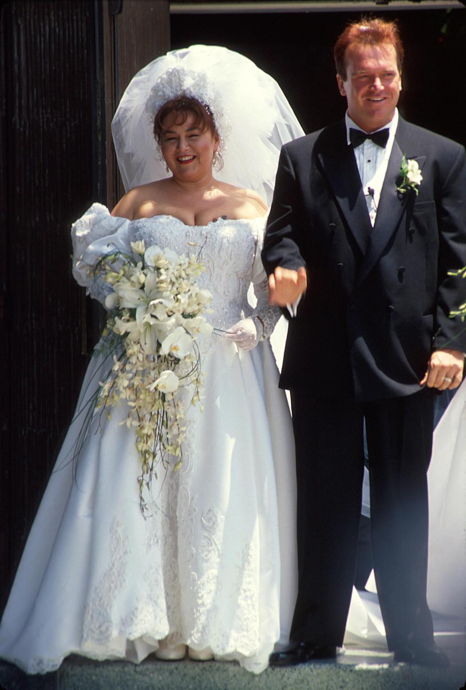 Roseanne Barr and Tom Arnold on their wedding day in 1991. (Photo: Time Life Pictures/DMI/The LIFE Picture Collection/Getty Images)