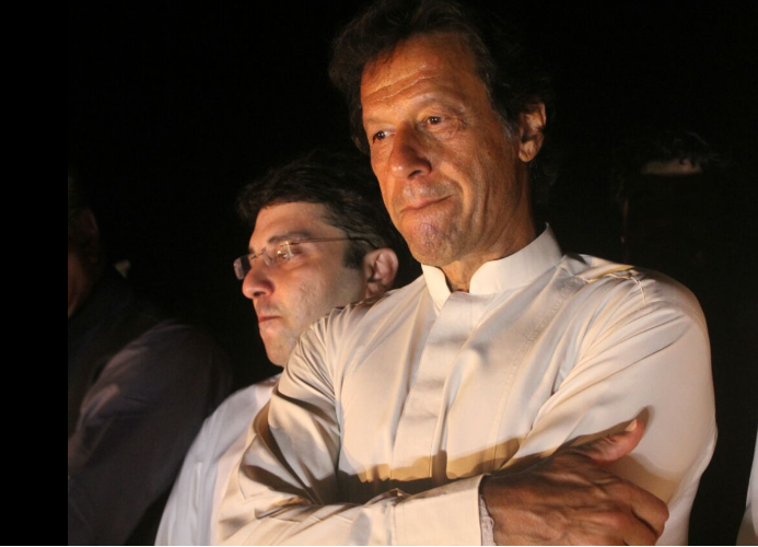 Imran Khan: The former Pakistani cricketer was famous back in the day for his cricket genius and his ways with the ladies. With great hair, sharp features and fashion choices that put film stars to shame, we know why even girls with no knowledge of cricket got readily attracted toward the all rounder. Going through his style evolution, we vote him as the sole champion to rock of Nehru collar.