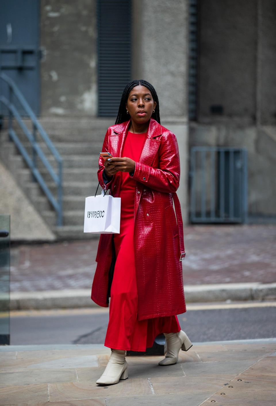 """And the colour blocking continues. We're here for this crimson combo.<span class=""""copyright"""">Photo Courtesy of Neil Mockford/Getty Images.</span>"""