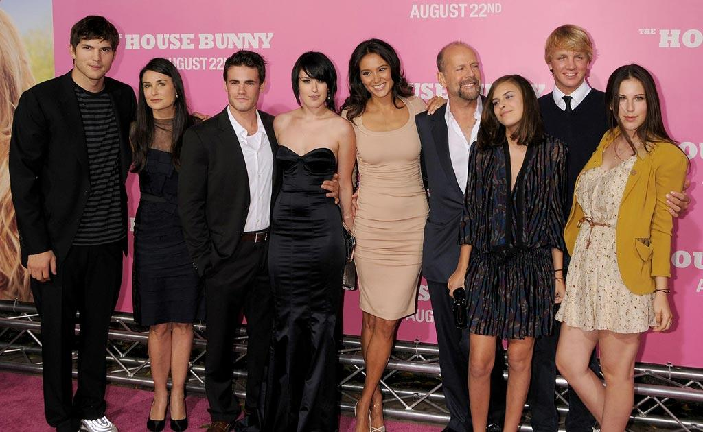 """<a href=""""http://movies.yahoo.com/movie/contributor/1800354733"""">Ashton Kutcher</a> , <a href=""""http://movies.yahoo.com/movie/contributor/1800012196"""">Demi Moore</a>, Micah Alberti , <a href=""""http://movies.yahoo.com/movie/contributor/1800260809"""">Rumer Willis</a> , Emma Heming, <a href=""""http://movies.yahoo.com/movie/contributor/1800018749"""">Bruce Willis</a>, Scout Willis and Tallulah Willis at the Los Angeles Premiere of <a href=""""http://movies.yahoo.com/movie/1809921361/info"""">The House Bunny</a> - 08/20/2008"""