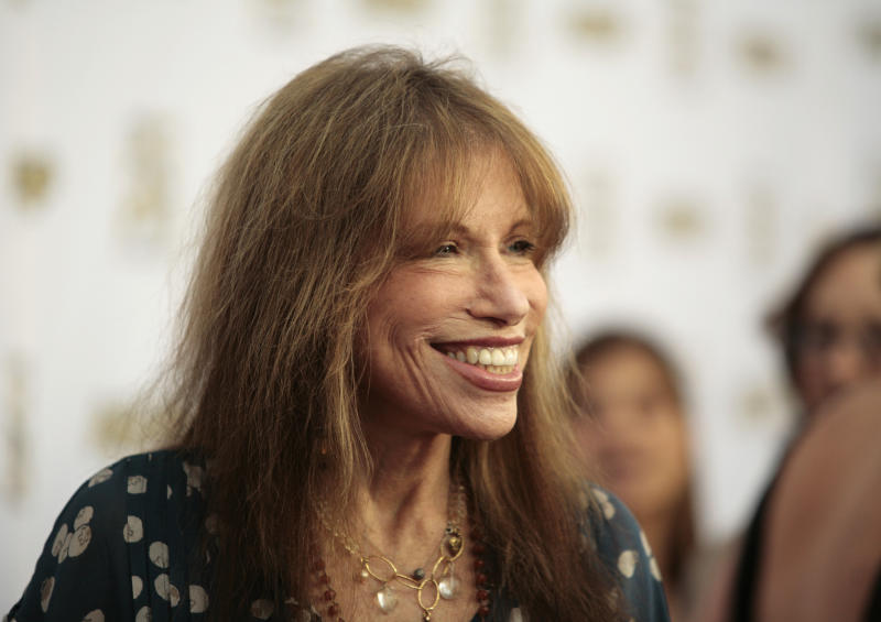 Singer-songwriter Carly Simon arrives at the 29th Annual ASCAP Pop Music Awards in Hollywood, California April 18, 2012. The awards are given out by the American Society of Composers, Authors and Publishers. REUTERS/Jason Redmond (UNITED STATES - Tags: ENTERTAINMENT)