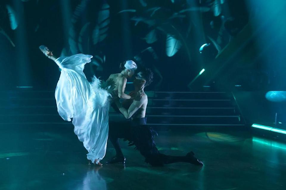<p>The <em>Catfish </em>creator and his partner dressed in <em>Black Swan-</em>inspired costumes and performed an intense Paso Doble. </p>
