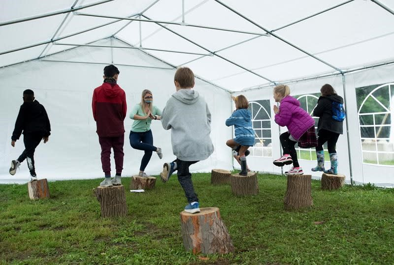 Parents, educators push for outdoor learning experiments to address COVID fears
