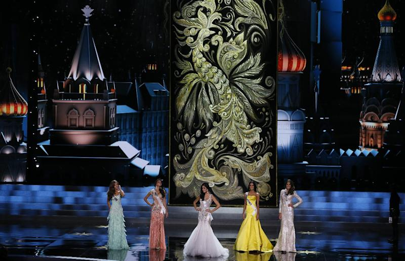 The top 5 finalists, from left, Miss Ecuador Constanza Baez, Miss Brazil Jakelyne Oliveira, Miss Spain Patricia Yurena Rodriguez, Miss Philippines Ariella Arida and Miss Venezuela Gabriela Isler participate in the 2013 Miss Universe pageant in Moscow, Russia, Saturday, Nov. 9, 2013. Gabriela Isler won the Miss Universe 2013 title. (AP Photo/Pavel Golovkin)