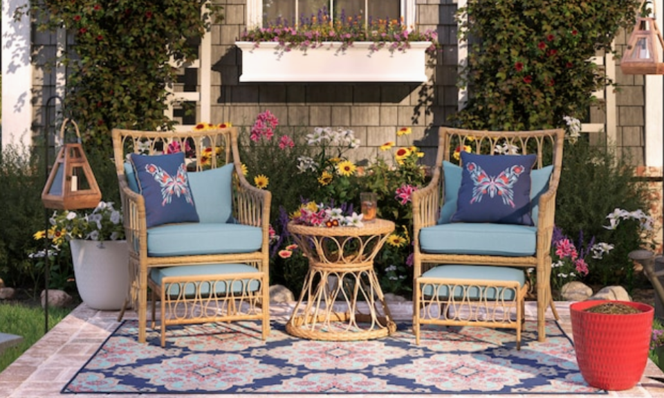 Stock up! Lowe's 4th of July sale is cause for celebration. (Photo: Lowe's)