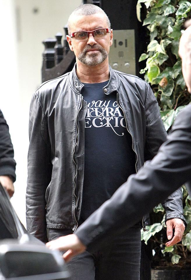 "50902964 Singer George Michael leaves his home in London, England on October 1, 2012. The ""Faith"" singer canceled his Australia tour on Saturday after citing major anxiety he's been suffering from ever since his bout with pneumonia last November. FameFlynet, Inc - Beverly Hills, CA, USA -  1 (818) 307-4813 RESTRICTIONS APPLY: USA ONLY"