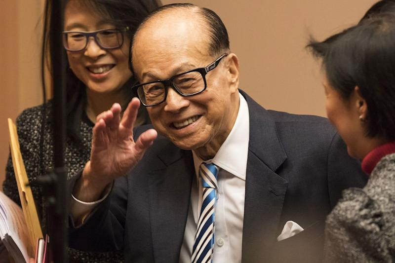 Li Ka-shing's Two Biggest Companies Report Higher Earnings