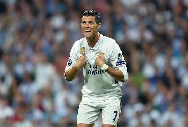 Real Madrid's Portuguese striker Cristiano Ronaldo gestures during the UEFA Champions League quarter-final match against Bayern Munich at the Santiago Bernabeu stadium in Madrid on April 18, 2017 (AFP Photo/Christof STACHE)