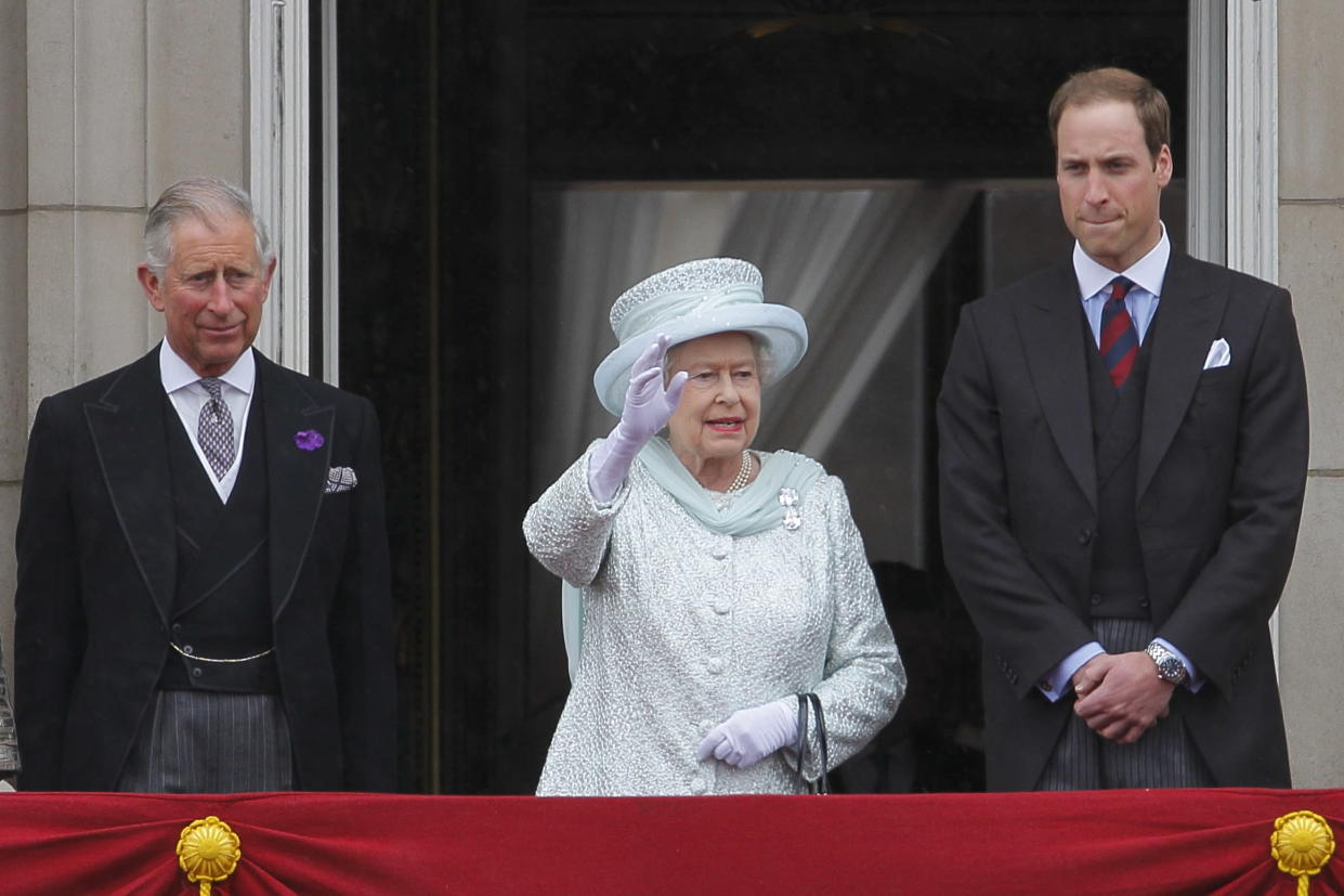 Queen Elizabeth II with the future kings - Prince Charles and Prince William on the balcony of Buckingham Palace to commemorate the 60th anniversary of the accession of the Queen, London. 5 June 2012 --- Image by �� Paul Cunningham/Corbis (Photo by Paul Cunningham/Corbis via Getty Images)