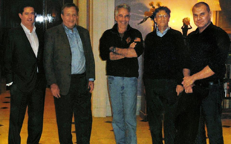 t Jeffrey Epstein's Manhattan mansion in 2011, from left: James E. Staley, at the time a senior JPMorgan executive; former Treasury Secretary Lawrence Summers; Mr. Epstein; Bill Gates, Microsoft's co-founder; and Boris Nikolic, who was the Bill and Melinda Gates Foundation's science adviser. - New York Times