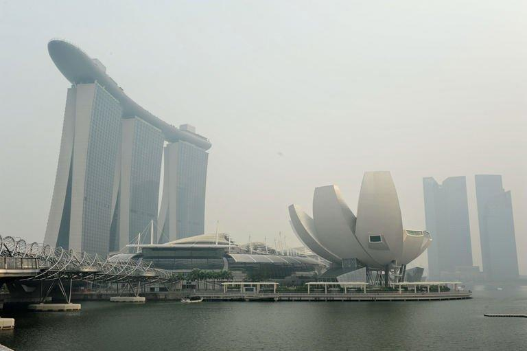 Indonesia says Singapore acting 'like a child' over haze