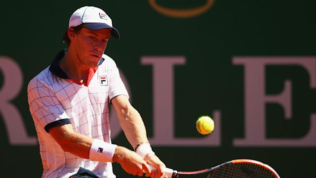 After losing to Rafael Nadal in Monte Carlo, Diego Schwartzman went down in straight sets to Robin Haase in Budapest.