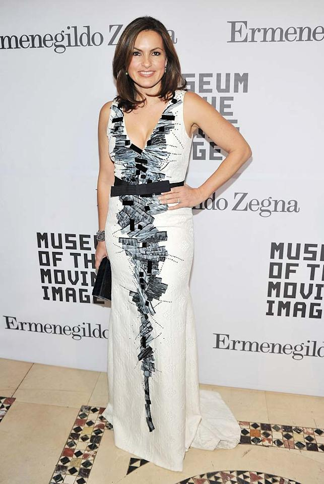 """""""Law & Order: SVU"""" hottie Mariska Hargitay was the epitome of elegance at the Museum of the Moving Image's salute to Alec Baldwin in an embroidered Carolina Herrera gown and metallic cuff. Stephen Lovekin/<a href=""""http://www.gettyimages.com/"""" target=""""new"""">GettyImages.com</a> - February 28, 2011"""