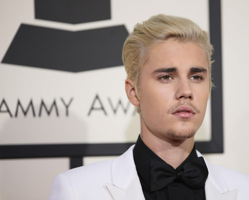 Singer Justin Bieber arrives at the 58th Grammy Awards in Los Angeles, California February 15, 2016.  REUTERS/Danny Moloshok
