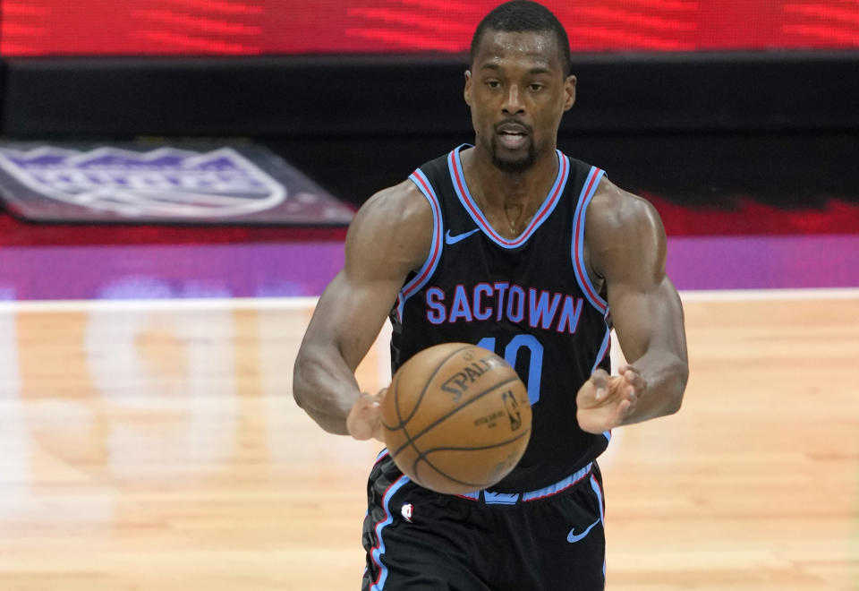 Harrison Barnes #40 of the Sacramento Kings looks to pass the ball against the Minnesota Timberwolves during the second half of an NBA basketball game at Golden 1 Center on April 21, 2021 in Sacramento, California. NOTE TO USER: User expressly acknowledges and agrees that, by downloading and or using this photograph, User is consenting to the terms and conditions of the Getty Images License Agreement. (Photo by Thearon W. Henderson/Getty Images)