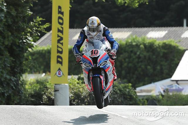 "Peter Hickman, 1000 BMW, Smiths Racing BMW <span class=""copyright"">Dave Kneen</span>"