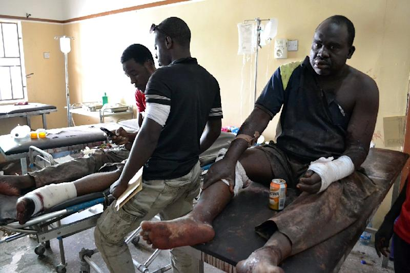 People injured in attacks by Boko Haram at the State Specialist Hospital in Maiduguri, on September 21, 2015 (AFP Photo/Stringer)