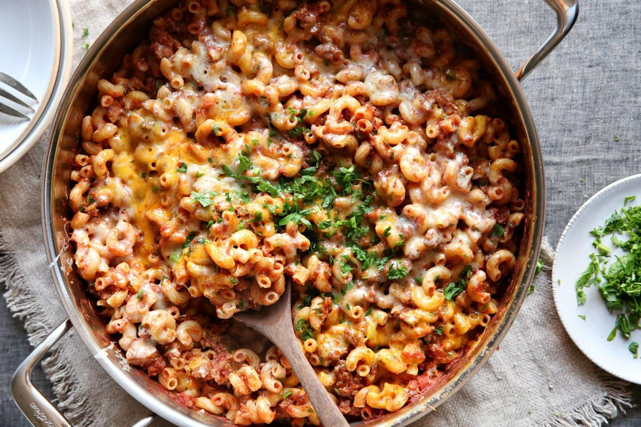 """<p>It's a clash of comfort foods, and we're so into it.</p><p><span>Get the recipe from <a rel=""""nofollow"""" href=""""http://www.delish.com/cooking/recipe-ideas/recipes/a49455/skillet-cheeseburger-mac-and-cheese-recipe/"""">Delish</a>.</span></p>"""