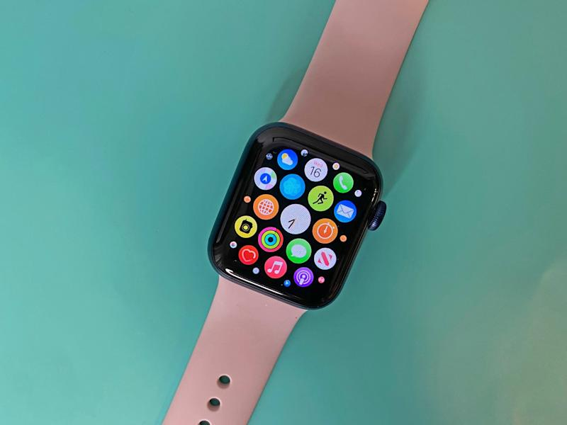 Apple Watch 6 Pink Band