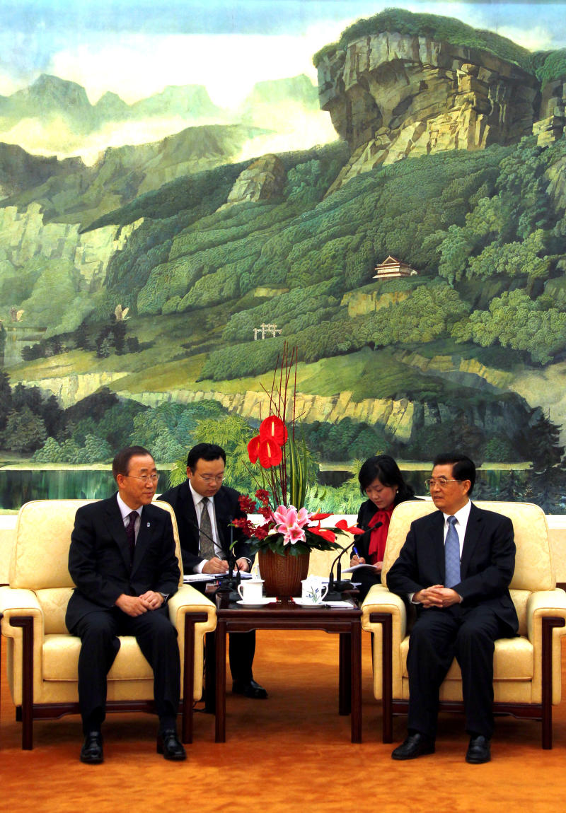 U.N. Secretary-General Ban Ki-moon, left, meets with China's President Hu Jintao in the Great Hall of the People in Beijing on Monday, Nov. 1, 2010. (AP Photo/David Gray, Pool)
