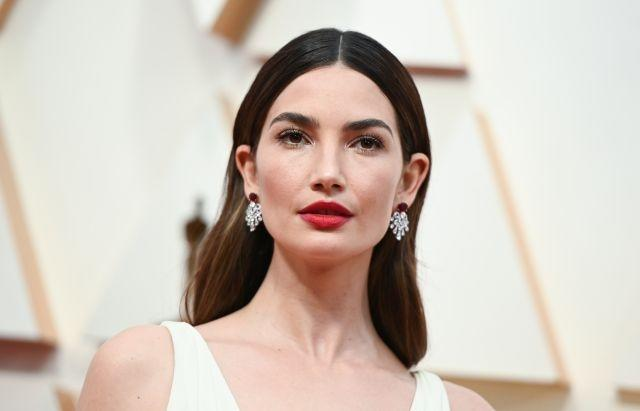 Lily Aldridge opted for a pair of platinum earrings set with two oval-cut rubies and diamonds of different sizes from Bvlgari's high jewelry collection